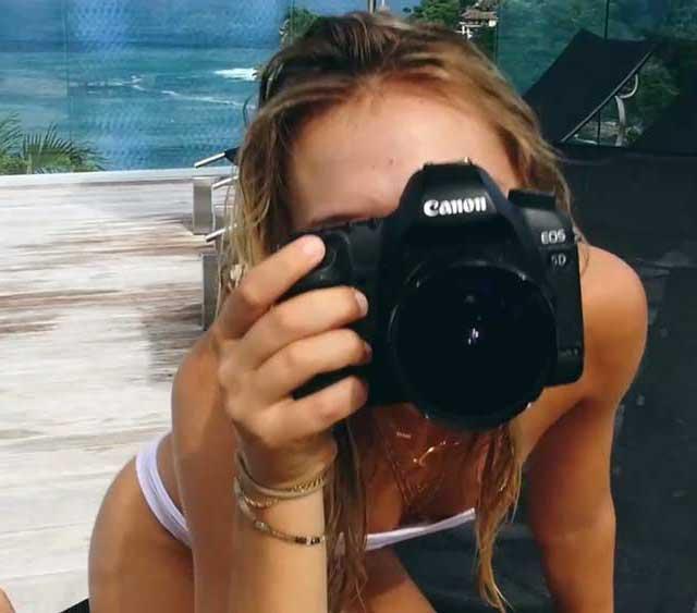 Alexis Ren Camera